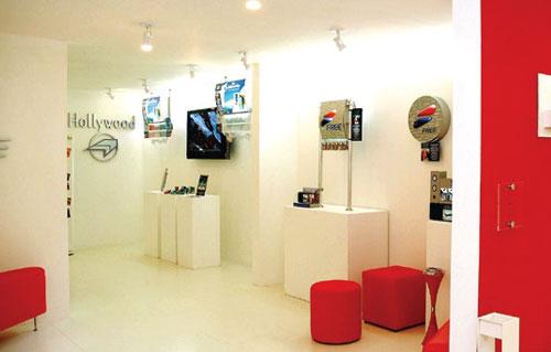 Show Room Merchandising